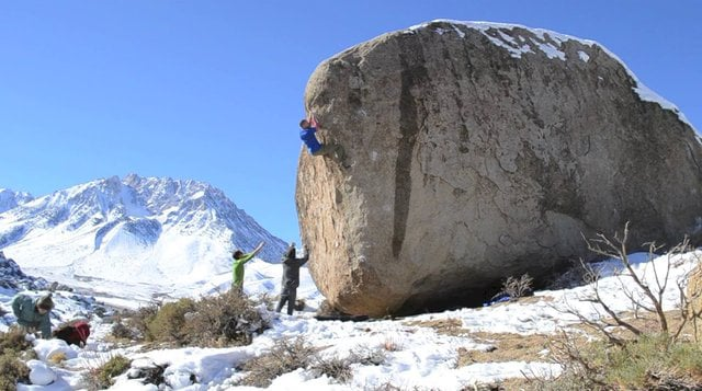Rock climbing bouldering in Bishop Buttermilks